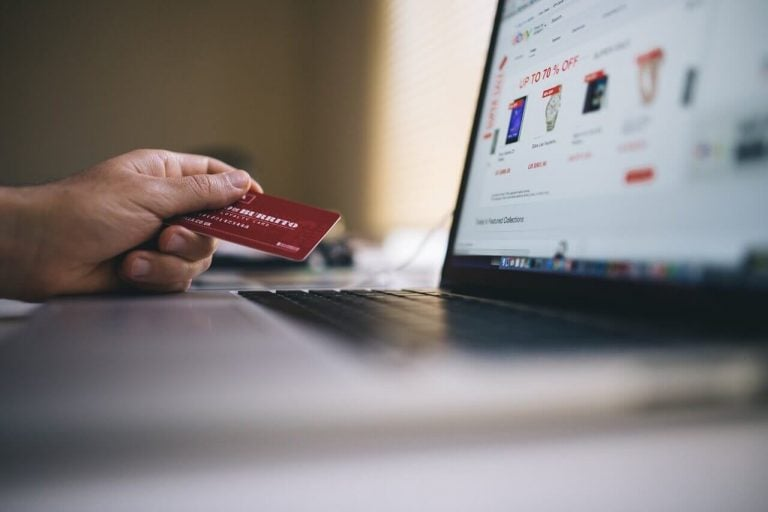Sklep internetowy vs. stacjonarny