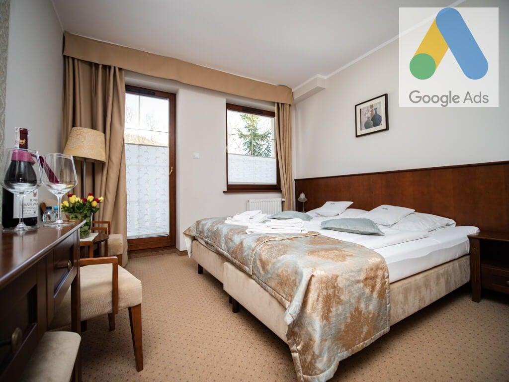 reklama google ads w hotelu